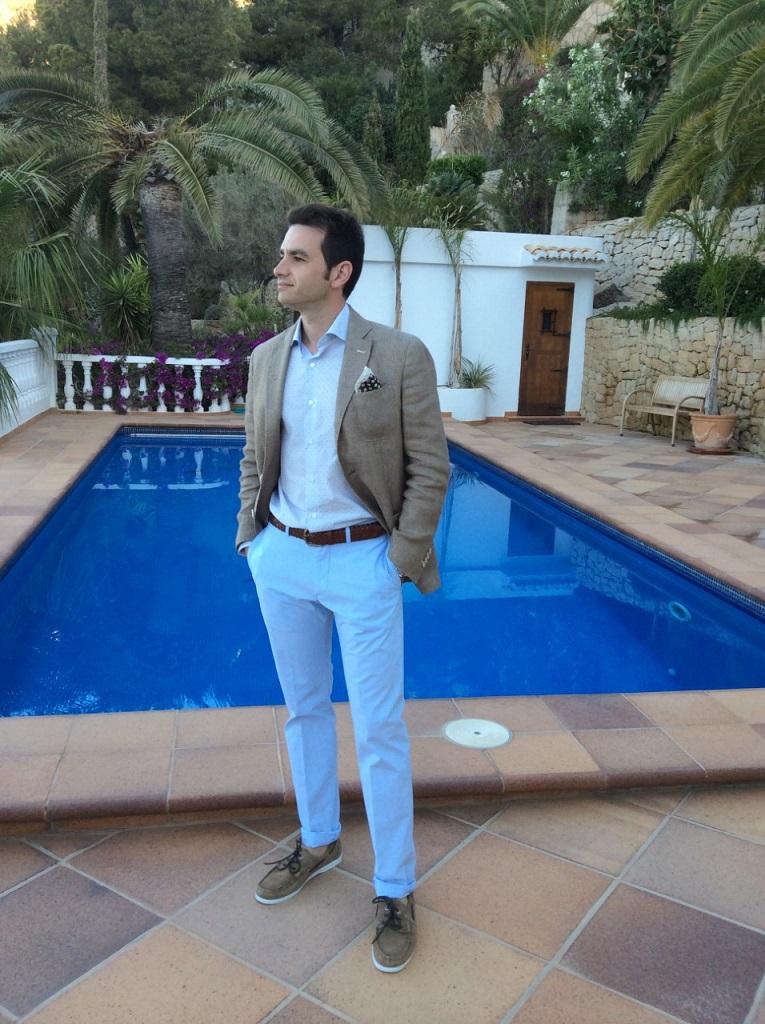 Alejandro  (35 years)
