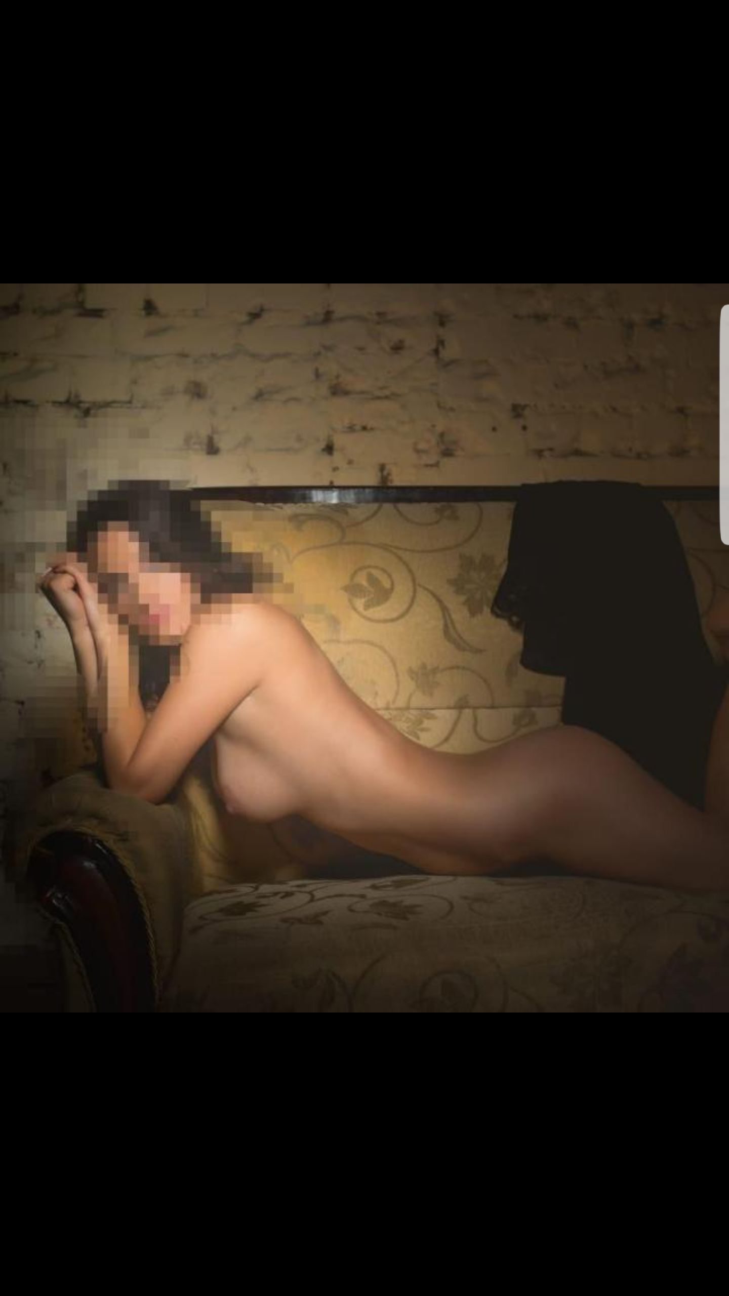 Simona  (30 years)