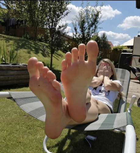 Foot worship  (27 gadi)
