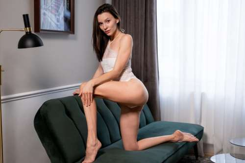 ANNA  (35 years)