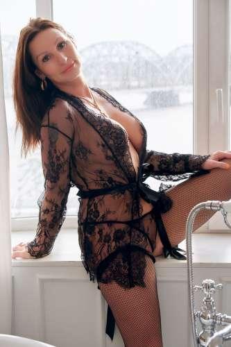 Elina real photo  (34 gadi)