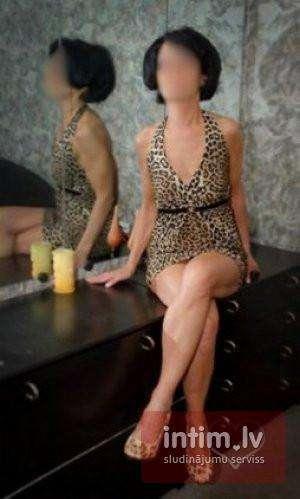Marta  (46 years)